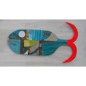 Fish with green fin